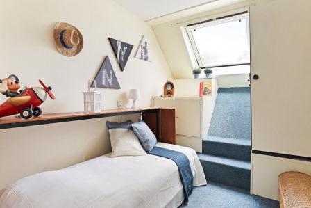Kleine slaapkamer na verkoopstyling