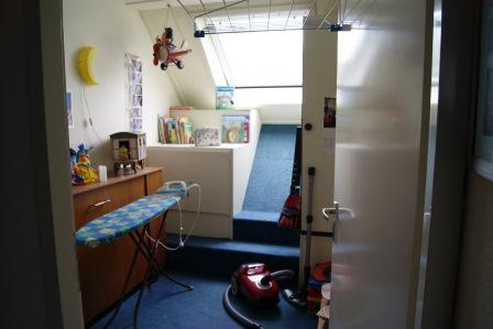 Kleine slaapkamer voor verkoopstyling